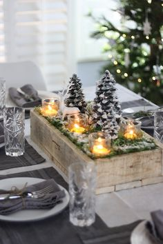 Winter Wonderland Christmas Table & DIY Centerpiece #ChristmasDecor #centerpiece #winter #winteriscoming