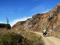 Climbing to the top of the Poolburn Gorge - the stark beauty of Central Otago