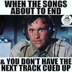 TFW the song's about to end... LOL h/t @mmmmavenproject  @serato class this Friday w/ @recloose and @sevnthwonder!  #music #technology #education #cambma #cambridge #centralsquare #community #sound #dj #djing #djs #trap #dancing #serato #electro #musiced #STEAM #bosarts #artsed by mmmmaven February 01 2016 at 01:05PM