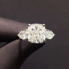 Solid 14k White Gold Cushion Cut Solitaire Diamond Engagement Ring For Womens #HouseOfKanak #SolitairewithAccents #ring #diamonds #engagementring #wedding #bridal #goldjewellery #silver