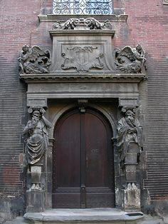 Portail aux altantes (1537)