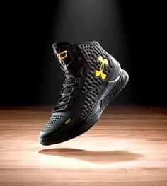 Under Armour | Stephen Curry One Basketball Shoes | US
