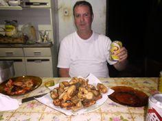 Chef gourmet Cassinho: cassinho tomando um skolzinha com peixe frito
