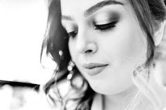 Só o começo - de um dia especial. A Rebeca, que já é linda, ficando mais linda para a hora do SIM! #CasamentoRebecaELincoln #Wedding #WeddingIdeas #AlmadeFotografo #Noivas #BrideToBe #noiva2018