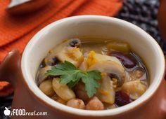 Healthy Crock Pot White Bean Mushroom Soup Recipe - only 159 cal & 4 WW points+.