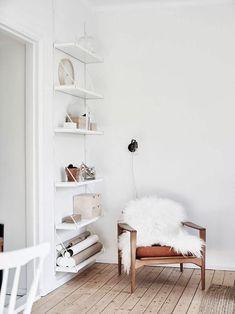 7 Jolting Cool Ideas: Minimalist Bedroom Cozy Rugs minimalist decor with color gray.Minimalist Living Room Minimalism Modern minimalist decor with color home.Minimalist Home Interior Grey Walls. Home Living Room, Living Room Designs, Living Room Decor, Minimalist Living, Minimalist Decor, Modern Minimalist, Minimalist Kitchen, Minimalist Interior, Minimalist Bedroom