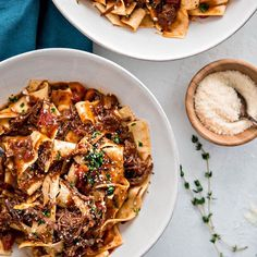 Chuck roast is cooked until tender with garlic, herbs, and plenty of tomatoes in this Instant Pot Italian Beef Ragu with Pappardelle for a delicious and hearty family pasta night recipe. This recipe for Instant Chuck Roast Recipes, Crockpot Recipes, Healthy Recipes, Ninja Recipes, Hamburger Recipes, Pasta Recipes, Beef Ragu Recipe, Italian Beef