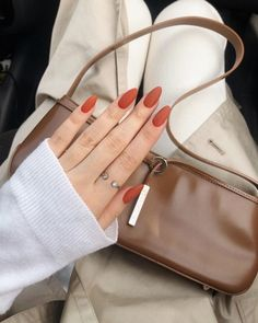 In look for some nail designs and ideas for your nails? Here's our listing of must-try coffin acrylic nails for modern women. Minimalist Nails, Stylish Nails, Trendy Nails, Classy Nails, Cute Acrylic Nails, Cute Nails, Glitter Nails, Pastel Nail, Pink Glitter
