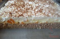 The title is exact. A wonderful custard-quark cream with tangerines on a breezy Nussig, and whipped cream with grated chocolate on top. The post Wonderful mandarin cake & STEP BY STEP appeared first on Food Monster. Caramel Recipes, Donut Recipes, Baking Recipes, Cake Recipes, Pudding Desserts, Apple Desserts, Just Desserts, Coffee Deserts, Mandarin Cake
