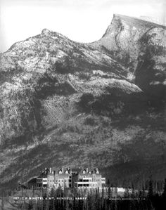 Archive Photo Banff Springs Hotel 9681