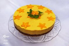 Raw Mango Tort- Mango, coconut, cashew cream with lemon zest Mango Cake, Raw Cake, Cashew Cream, Raw Desserts, Vegan Sweets, Healthy Treats, Raw Vegan, Paleo, Lemon