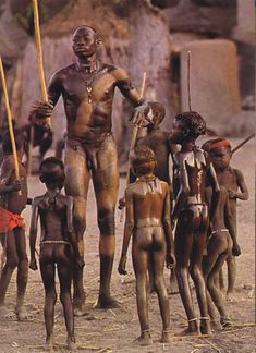 flash of God — Leni Riefenstahl, In the Village Square, African Tribes, African Men, African History, African Beauty, Leni Riefenstahl, We Are The World, People Around The World, Africa People, Tribal People