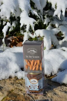 Holiday Snack Sets make awesome stocking stuffers, gifts for teachers, friends and family. $5.19 #robertrothschildfarm