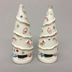 Vintage 1962 NAPCO Bedford OH White Christmas Tree Salt & Pepper Shakers ICX5397