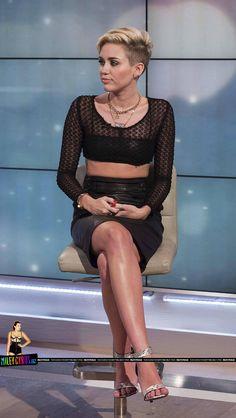 Miley Cyrus's Feet << wikiFeet