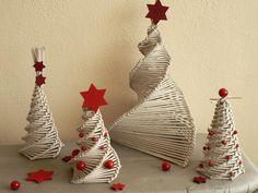 Potrebujeme:papierové ruličky, lepidlo, kužeľ ako formuPostup:Text sa objaví aj pri jednotlivých obrázkoch pri pohybe myšou Christmas Crafts, Christmas Decorations, Christmas Ornaments, Holiday Decor, Paper Hearts, Weaving, Lily, Knitting, Home Decor