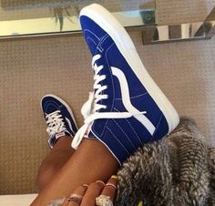 Shop for top fashion Nike shoes with wholesale prices! I love these shoes Tenis Vans, Vans Sneakers, Vans Shoes, Sneakers Women, Sock Shoes, Cute Shoes, Me Too Shoes, Shoe Boots, Vans Haute