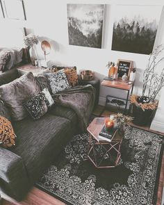 Cozy Living Rooms, Home Living Room, Apartment Living, Living Room Decor, Bedroom Decor, Gothic Living Rooms, Rustic Apartment, Deco Studio, Studio Apartment Decorating
