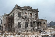 Wheatly-Provident Hospital abandoned in Kansas City Abandoned Buildings, Abandoned Property, Old Abandoned Houses, Abandoned Mansions, Old Buildings, Abandoned Places, Old Houses, Haunted Houses, Abandoned Castles