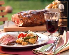 Ganzes Lammgigot vom Grill Lamb Recipes, Cheese, Chicken, Meat, Food, Lamb, Side Dishes, Food And Drinks, Eten