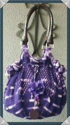 Bolsa de croché Linha 100 % algodão forrada com broche flor tafetá amassado