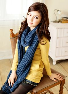 yellow top + chunky blue scarf