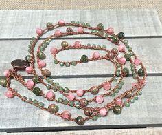 Piedras preciosas y cristal crochet boho collar ganchillo