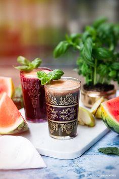 Million Dollar Melon. A fresh juice full of vitamin C, with watermelon, apple, spinach, basil and wheatgrass. Recipe: Mari Bergman, Photo & Styling: Sanna Livijn Wexell.