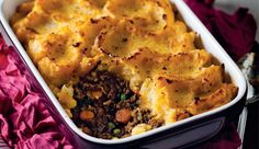 Ostrich cottage pie topped with butternut mash Banting Recipes, Mince Recipes, Pasta Recipes, Healthy Dishes, Food Dishes, Quick Recipes, Healthy Recipes, Healthy Food, Ostrich Meat
