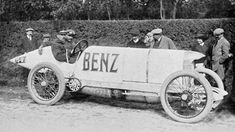 Photographs of the 1910 Benz Blitzen-Benz. An image gallery of the 1910 Benz Blitzen-Benz. Mercedes Benz, Vintage Racing, Vintage Cars, Malaysian Grand Prix, Carl Benz, Automobile, Old Race Cars, Car Museum, Unique Cars