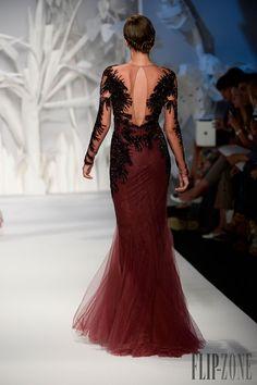 Abed Mahfouz - Alta-Costura - Outono-Inverno 2013-2014 - http://pt.flip-zone.com/fashion/couture-1/independant-designers/abed-mahfouz-4060 - ©PixelFormula