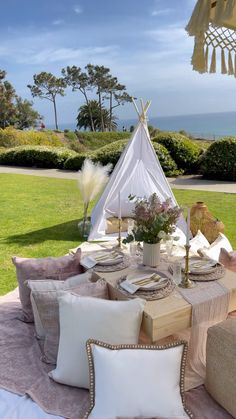 Picnic Theme, Picnic Style, Picnic Set, Beach Picnic, Picnic Ideas, Backyard Birthday Parties, Picnic Birthday, Picnic Party Decorations, Outdoor Dinner Parties