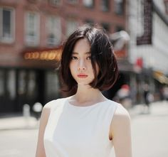 Korean bob hairstyles equal with trendy and creative hairstyles, and often with minimal styling you can get maximal appearance. The soft straight hair is. Bob Hairstyles 2018, Long Bob Haircuts, Trendy Haircuts, Short Hairstyles For Women, Korean Short Hairstyle, Asian Bob Haircut, Korean Hairstyles, Shot Hair Styles, Long Hair Styles