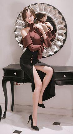 K Fashion, Asian Fashion, Womens Fashion, Sexy Asian Girls, Sexy Hot Girls, Belle Silhouette, Oriental Fashion, Korean Model, Beautiful Asian Women