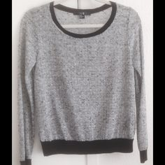 FOREVER 21 Gray Black Knit Lightweight Sweater Top Size: Medium New without tag Forever 21 Tops Blouses