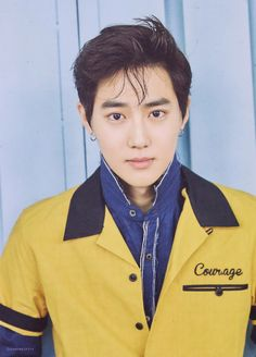 Suho with EARRINGS WAHH