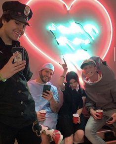 David Dobrik's 2019 halloween costume - dresses up as cop- Vlog Squad 2019 Liza And David, David Dobrik, King David, Vlog Squad, Squad Goals, Aesthetic Tumblr Backgrounds, Friendship Photos, Midnight City, City Vibe