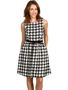 Where can I get this?!?  I <3 houndstooth and I <3 pockets.
