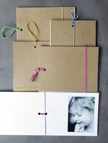 Scrapbooks That Don't Look like Grandma Made Them A DIY Brag Book would be a great last minute gift for grandma.A DIY Brag Book would be a great last minute gift for grandma. Diy Mothers Day Gifts, Diy Gifts, Mini Albums, Diy Paper, Paper Crafts, Carton Invitation, Brag Book, Mother's Day Diy, Handmade Books