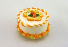 Calamita in FIMO fatta a mano a forma di torta con fette di arancio e rose - Orange slices cake with roses in fimo polymer clay handmade