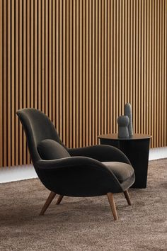 A mix of soft curves and graphical lines – a modern setting with Swoon Lounge by Space Copenhagen. Copenhagen Design, Space Copenhagen, Chair And Ottoman, Armchair, Lounge Areas, Office Chairs, Chair Design, Innovation, Curves