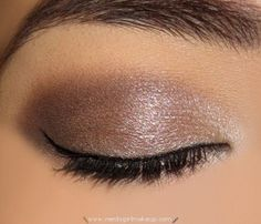 Urban Decay Naked 2 Palette Look 1