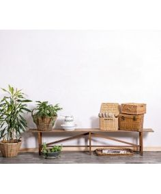 Banco Rústico De Madera Antiguo  #bancodemadera #rustico #rustic #decor #exteriores #design #rusticdecor #cozy #cottagedecor #mueblesdemadera #vintage #mueblesantiguos #antique #tendenciasdeco Table, Furniture, Home Decor, Rustic Bench, Log Projects, Wood Interiors, Wood Furniture, Reclaimed Wood Benches, Antique Bench