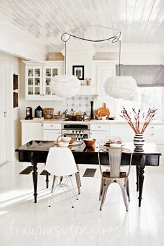 Love this, a peaceful kitchen