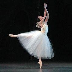 Diana Vishneva in Giselle act II Photo © Andrea Mohin