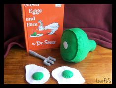 Felt Green Eggs and Ham Set Projects For Kids, Crafts For Kids, Green Eggs And Ham, Felt Food, Play Food, Cool Kids, Little Girls, Nursery, Creative
