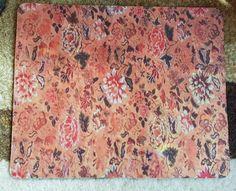 Mouse Pad Crisantemos    Mouse Pad em nylon emborrachado. Medidas: 21,5 x 18 cm.