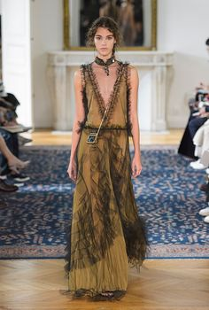 Парижская неделя моды: Valentino, весна-лето 2017, Buro 24/7