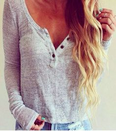 Effortless light sweater.