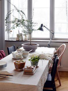주방 / 식당 | IKEA Life 홈 - 영감을주는 홈 데코레이션 Home Design Decor, House Design, Kitchen Dining, Dining Room, Food Photo, Box, Ikea, Table Settings, Interior